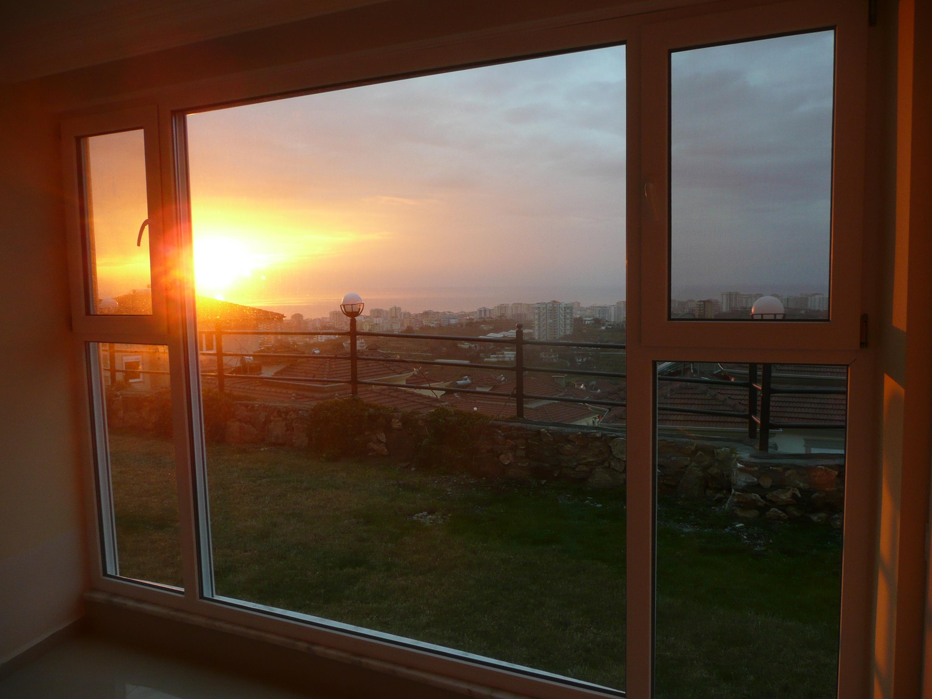 3-Zimmer-Golf-Apartment an der türkischen Riviera! Direkt neben dem Goldcity Tourism Complex, Alanya/Kargicak Die Wohnung ist die letzte Wohnung einer Hausgruppe. Sie liegt idyllisch im hauseigenen Garten. Sie schauen aus Ihrem Panoramafenster –...